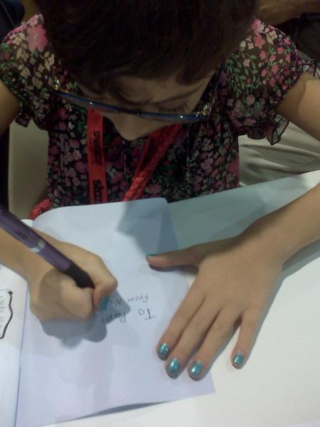 Natalia Hernandez signs